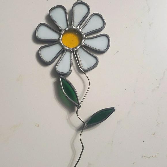 Daisy flower suncatcher hanging ornament